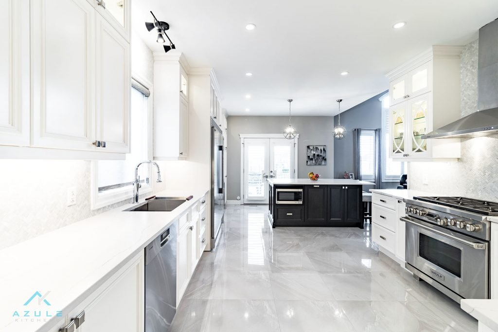 Black and White Transitional Kitchen Cabinets
