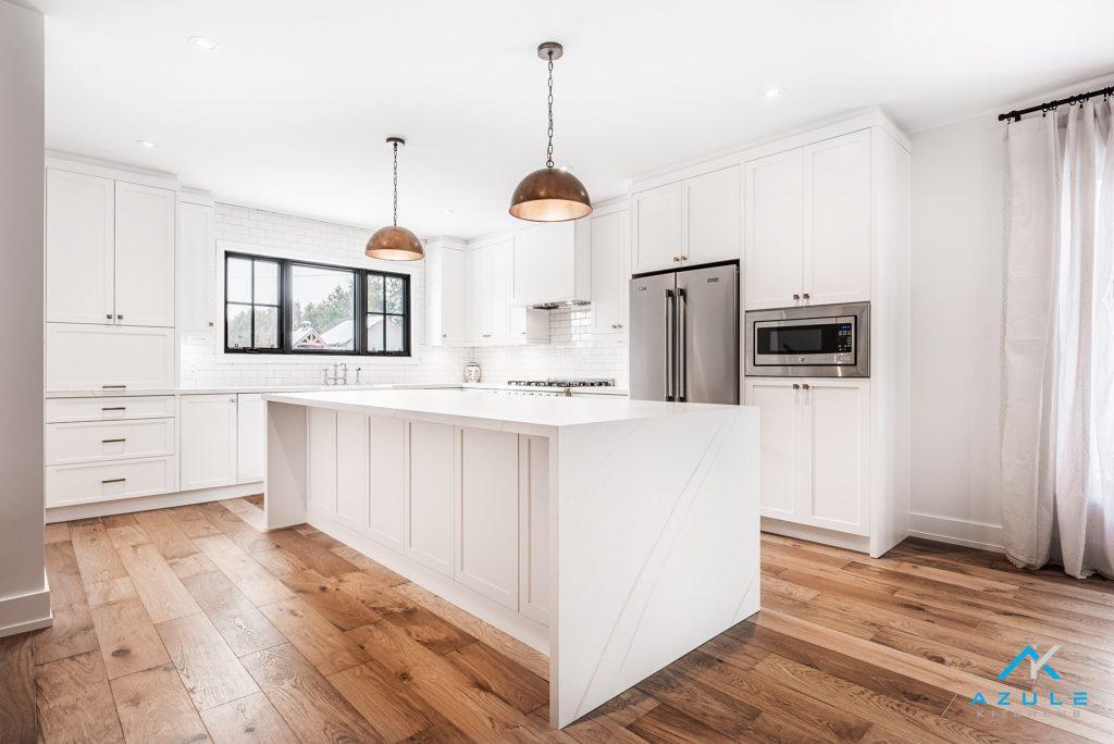 Modern_white_cabinet_trends_Azule_Kitchens