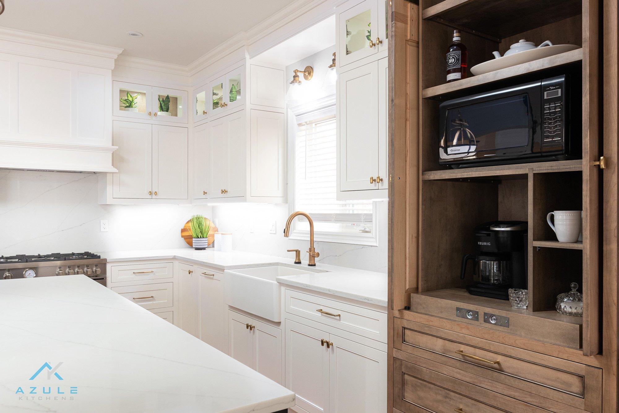 White Kitchen With Shaker Door Syle Azule Kitchens