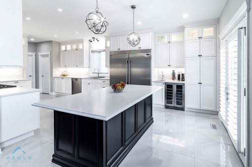 Alexander-4-transitiona-kitchen-remodel-azule-kitchens-renovation-design-cambria-white-cabinets-high-quality-hamilton-oakville-burlington-kitchen