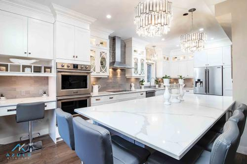 Gord-3-azule-kitchens--kitchen-white-transitional-kitchen-hamilton-spectator-design-custom-review-quality-inspiration-stacked-oakville-burlington-hamilton-spectator-robber